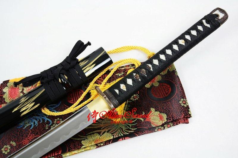 Clay Tempered Sanmai Blade Japan Armorial Tsuba Handachi Katana Full Tang Sword